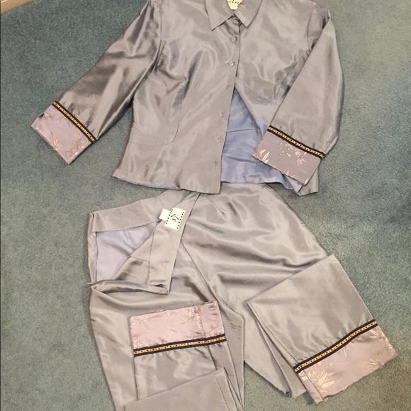 2pce silk capri pant w jacket, ICE brand, size 6